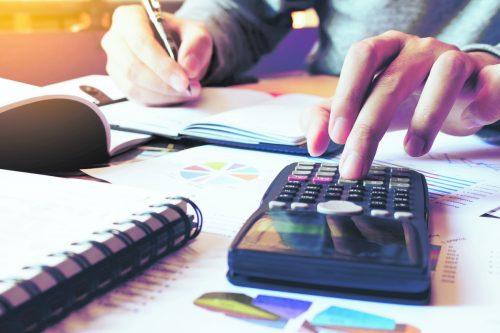 Für die Finanzierung gilt es alle Nebenkosten zu berücksichtigen.Shutterstock