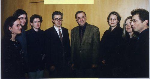 Im Jahr 2000 präsentierte Sausgruber (rechts) das Büro für Zukunftsfragen und dessen Leiter Manfred Hellriegl.