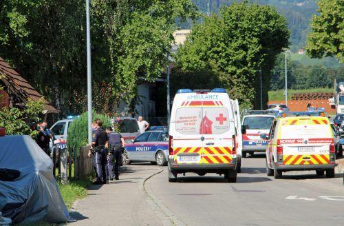 In der Lustenauer Höchsterstraße kam es zu einemdubiosen Vorfall mit zwei verletzten Personen.vol.at/Pletsch