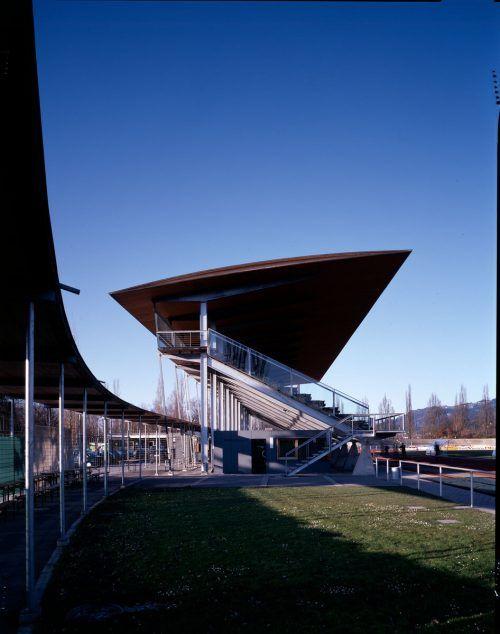 Der beliebte Winter-Lauftreff im Bregenzer Stadion startet wieder.Vlbg. Landesbibliothek
