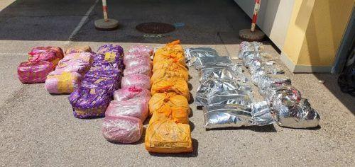 608 Kilo getrocknete Kath-Pflanzen wurden sichergestellt. APA