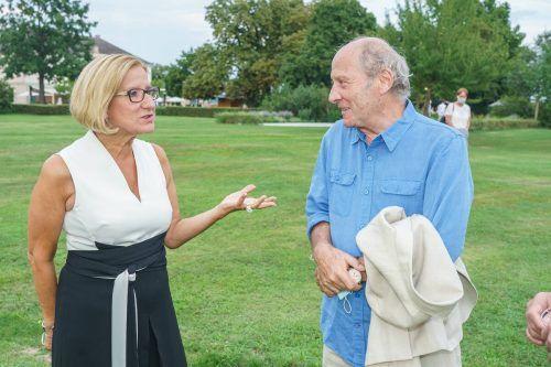 Am 14. August war Robert Dornhelm, hier mit Niederösterreichs Landeshauptfrau, am Grafenegg-Festival. AndreasTischler.com