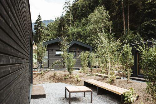 Amann Gartenbau aus Koblach sorgte für den finalen Schliff im neuen Cabinski-Dorf.Fa