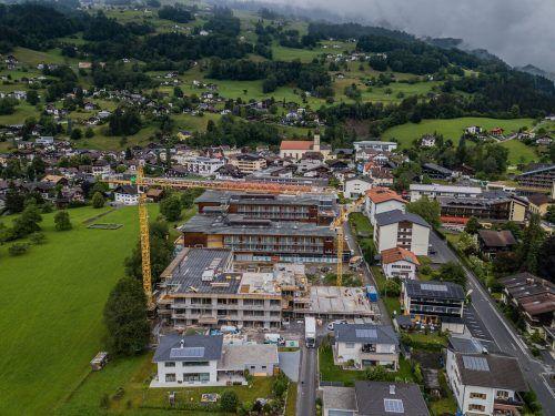 An der Reha-Klinik in Schruns wird derzeit fleißig gebaut. Unter anderem gibt es dort mehr Platz für psychiatrische Patienten.Vn/steureR