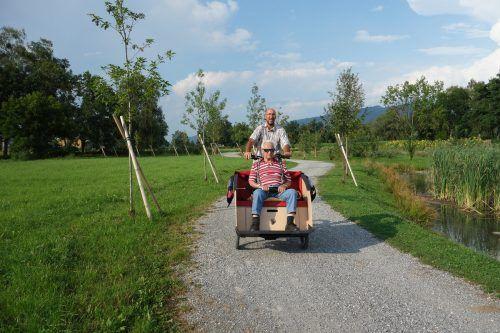 """Andreas Gorbach ist einer der 17 freiwilligen Pilotinnen und Piloten beim Projekt """"Radeln ohne Alter"""". Gemeinde/Gorbach"""