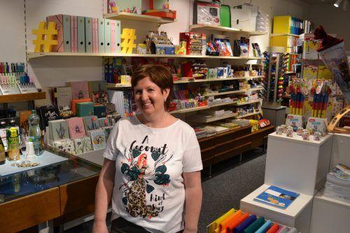 Angelika Vonbank freut sich über die gelungene Neugestaltung ihres Geschäfts, die mit viel Eigeninitiative umgesetzt wurde. BI