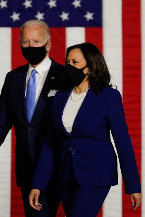 Biden und Harris greifen den Amtsinhaber als Team an. Reuters