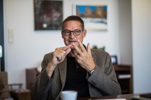 Christian Bernhard ist als medizinischer Sachverständiger voll gefordert.vn/steurer