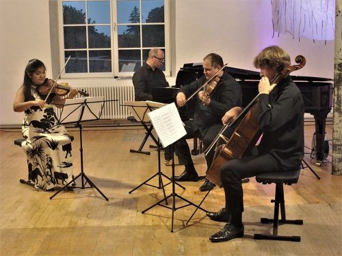 Das Ensemble plus wusste in der Klarenbrunn-Fabrik zu beeindrucken.Jurmann