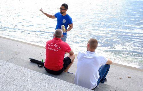 """Das """"Gemeinsam am See""""-Team weist die Besucher in den Bregenzer Seeanlagen in diesem Sommer auch auf die Coronaregeln hin.Stadt Bregenz"""