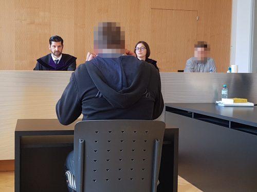 Dem Angeklagten wird aus psychiatrischer Sicht eine deutliche Einschränkung seiner Zurechnungsfähigkeit attestiert. eckert