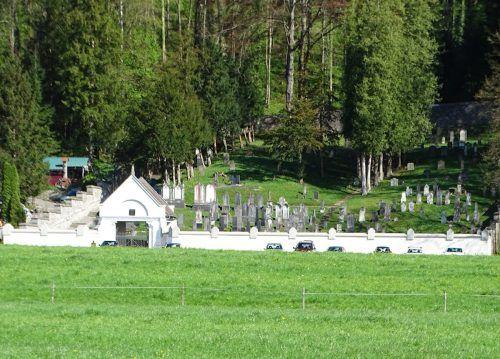 Der Jüdische Friedhof in Hohenems ist sehenswert und bietet sich für ein kurzes Innehalten auf dem Weg der Menschlichkeit gut an.n