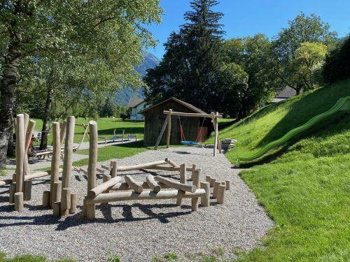 Der neue Spielplatz bietet Klein und Groß attraktive Möglichkeiten.