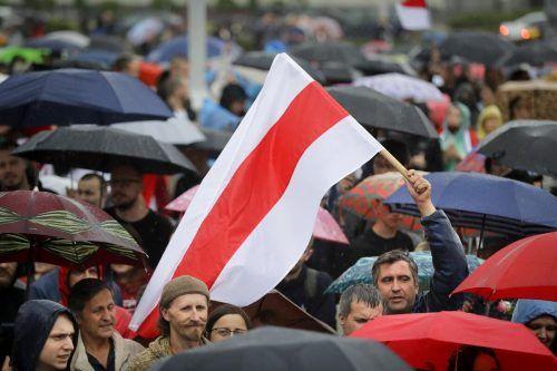 Die Demos gegen das Wahlergebnis reißen nicht ab.AP