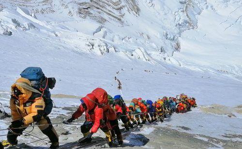 Der Aufstieg zum Mount Everest bedeutet Ruhm und Ansehen.???