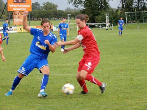 Die jungen Rothosen erkämpften sich am Wochenende nach dem unglücklichen Cup-Aus einen Auswärtssieg beim FC Koblach.cth