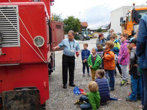 Die Kinder erhielten interessante Einblicke in die Arbeit der Lokomotiven und der Lokführer, die sie steuern. mima
