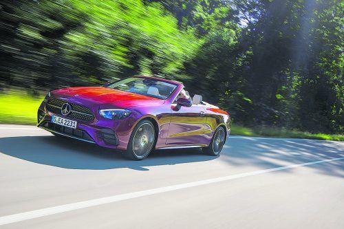 Die Mercedes-E-Klasse wurde nach vier Jahren aufgewertet. Neue Sicherheits- und Komfortfeatures haben Einzug gehalten.werk