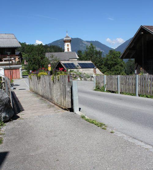 Die Bürserberger Mühlebachbrücke wird für 300.000 Euro saniert.