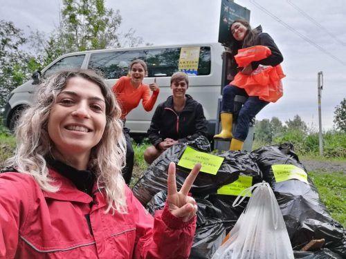 Die neun Freiwilligen des Alpenschutzvereins sammelten zur Halbzeit der Aktion bereits Tausende Liter Müll. Alpenschutzverein