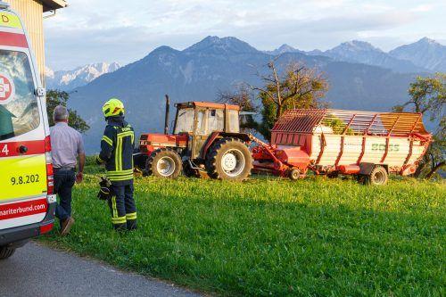Die Pensionistin wurde vom hinteren Reifen des Traktors überrollt. HOFMEISTER