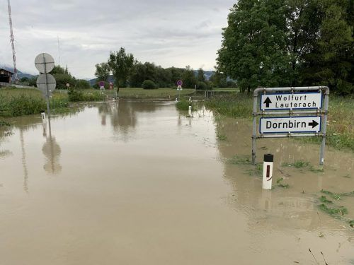 Die Straße durchs Ried war ebenfalls gesperrt. vol.at/Vlach