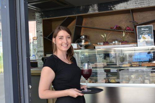 Djessika Boyanova übernimmt das Café am Postplatz voller Elan und mit ambitionierten Zielen.BI