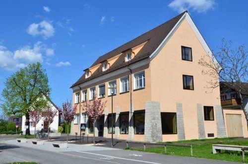 Das mittlerweile mehrfach ausgezeichnete Gemeindeamt von Zwischenwasser.Gemeinde/D. Schreyer
