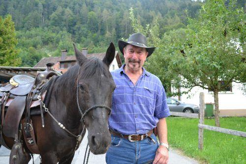 Für Lothar Stroppa ist es entscheidend, mit seinen Pferden in Einklang zu kommen. bi