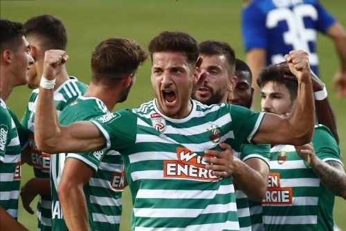 Goldtorschütze Ercan Kara bejubelt seinen Treffer, der den Hütteldorfern zumindest einen Platz in der Europa League sichert.apa