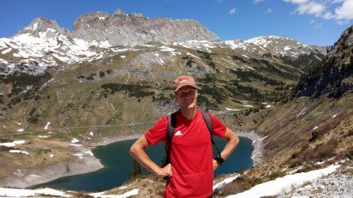 Immer öfter ist Ex-FIFA-Schiedsrichter Robert Schörgenhofer in den Bergen anzutreffen.RS