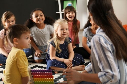 In der Sprach-Aktiv-Woche werden Kinder auf die Schule vorbereitet.Stadt