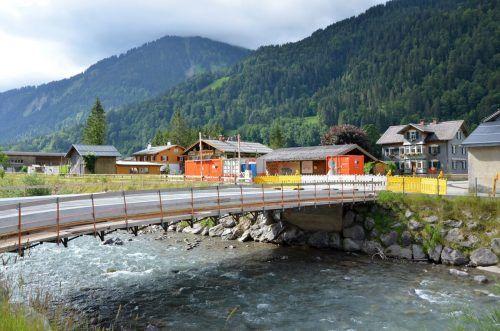 In die Erneuerung der Brücke wurden rund 100.000 Euro investiert. mam