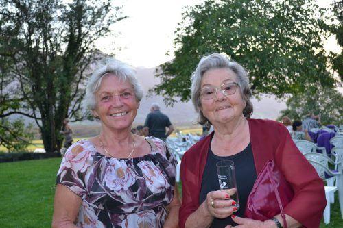 Inge Gengenbacher und Edmunda Hartmann zeigten sich vom dargebotenen Kabarettprogramm begeistert.