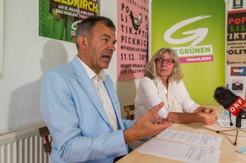 Innsbrucker Stadtchef Georg Willi und Stadträtin Marlene Thalhammer. VN/Steurer