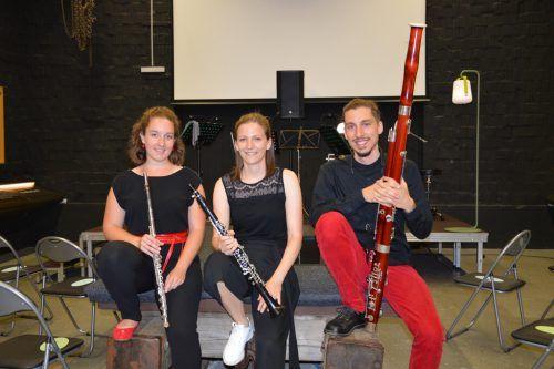 """Kathrin Ully , Pia Neururer und Klemens M. Kollmann (v.l.) sind das Trio """"Blasbalg"""" und haben nun ihre erste CD präsentiert, die unter www.blasbalg.at erhältlich ist. vv"""