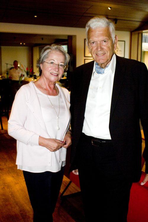 Lydia Zech und Alfred Zeichen im Hotelfoyer.