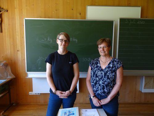 Maria Nardin (r.) übergibt die Schulleitung an Susan Michel.