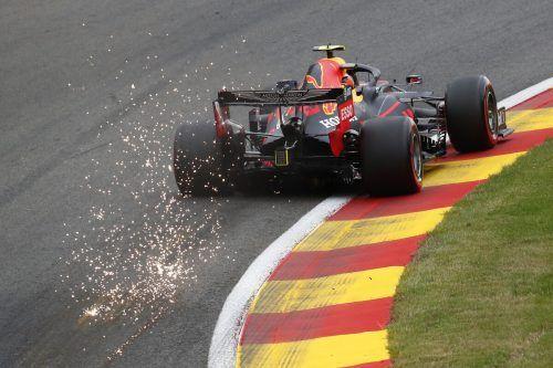 Max Verstappen ließ im ersten freien Training vom Grand Prix in Spa nicht nur die Funken sprühen, sondern auch die Konkurrenz hinten anstehen.ap