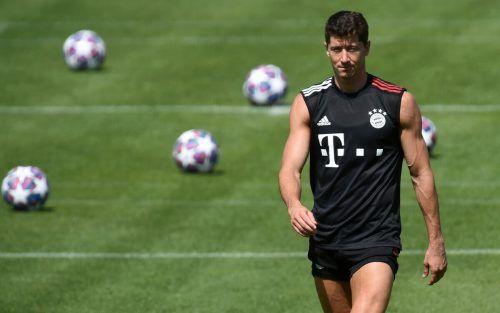 Muskelpaket Robert Lewandowski, der Bayern-Torjäger bei der Trainingseinheit.afp