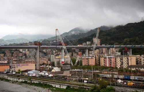 """Nach zwei Jahren Planungs- und Bauzeit wird die """"San Giorgio""""-Brücke in Genua heute eröffnet. afp"""