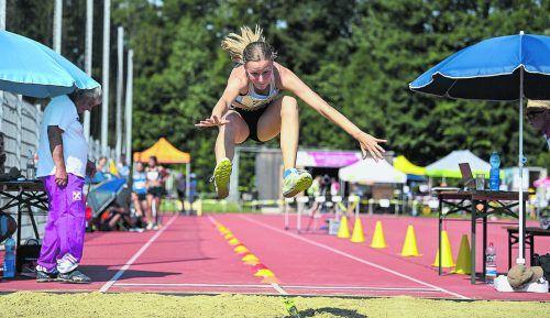 Paulina Fink sprang bei den Vorarlberger Leichtathletikmeisterschaften mit 4,99 Meter auf den ersten Platz in der österreichischen Bestenliste der U14-Mädchen.VLV, Manfred GAsser