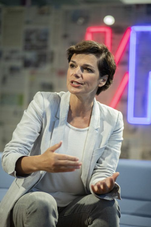 """""""Sie werden niemanden finden, der sich jetzt die Frage stellt, wie es mit den Finanzen der SPÖ aussieht"""", sagt Rendi-Wagner.VN/Paulitsch"""