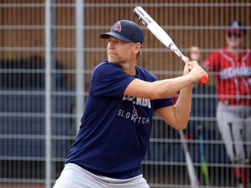 Slowpitch ist eine weniger schwer zu erlernende Variante des Baseball.cth