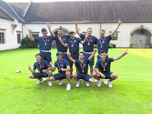 So sehen Sieger aus. Die Mannschaft des GC Montfort Rankweil jubelt über den Aufstieg in die erste Liga. GCMR