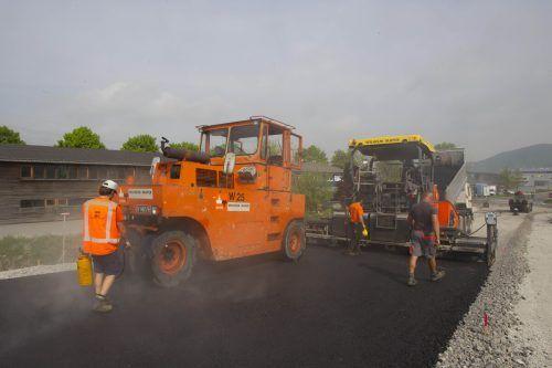 Straßenbauarbeiten auf der S16 bei Wald am Arlberg. Paulitsch