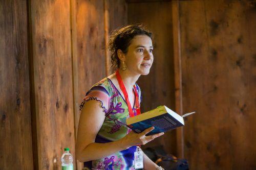 """Verena Petrasch war schon bei der """"Buch am Bach"""" zu Gast. Für die virtuelle Buch am Bach liest sie nun aus ihrem jüngsten Buch """"Der Händler der Töne"""" vor. VN/Steurer"""