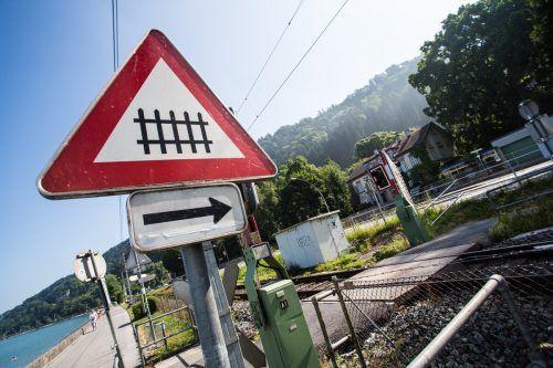 Verkehrsministerin Leonore Gewessler sieht keine Notwendigkeit, die Bahnstrecke von Bregenz nach Lindau auszubauen. VN/Steurer