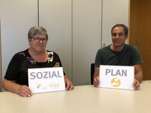 Vizebürgermeisterin Ilse Mock und Michael Seidler von der Sozialabteilung im Rathaus freuen sich auf die neue Initiative. Gemeinde
