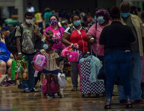 Zahlreiche Menschen mussten ihre Häuser verlassen und in Notunterkünfte flüchten.